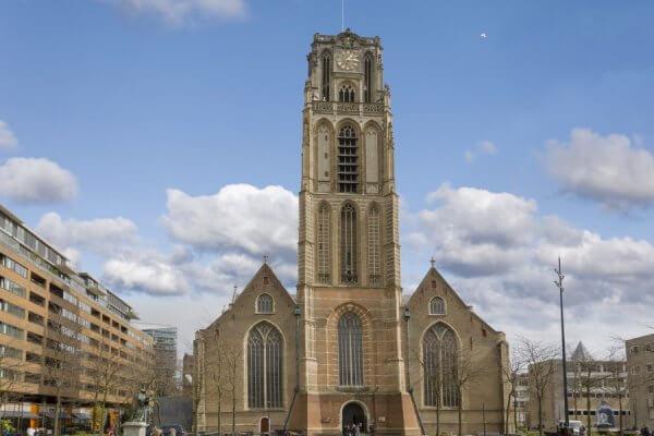 Voorkant van Laurenskerk in Rotterdam